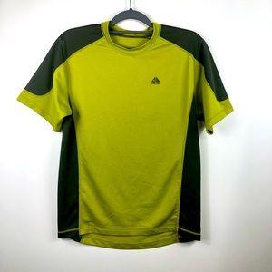 Nike ACG Men's Short Sleeved Pull On Active Shirt